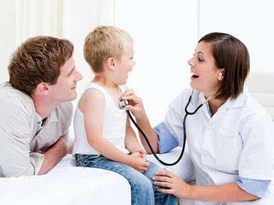 成都看白癜风最好的医院:白癜风疾病的症状是怎样的